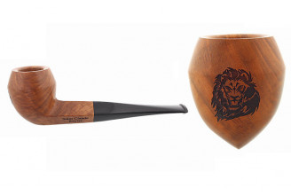 Pipe gravée lion