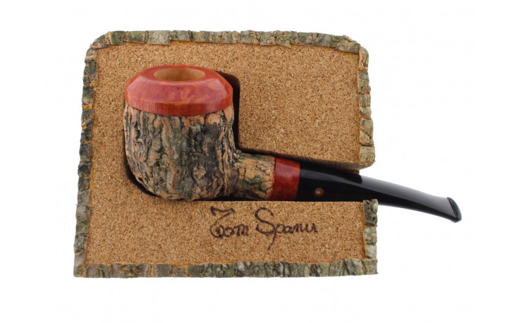 Pipe Tom Spanu (droite, tuyau noir)