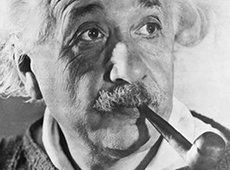 Albert Einstein et sa pipe