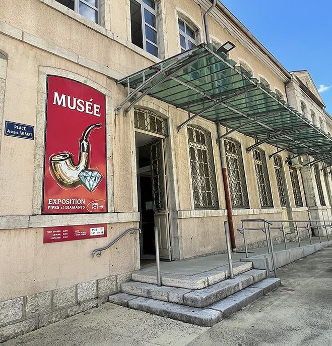À deux pas de La Pipe Rit, le musée de la pipe et du diamant !