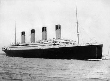Titanic : photo par F.G.O. Stuart RMS Titanic departing Southampton on April 10, 1912