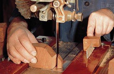 Travail du bois de la bruyère