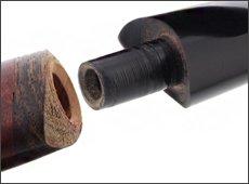 Montage spécifique entre la tige et le tuyau